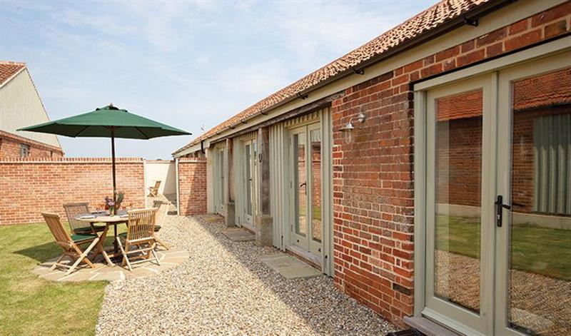 1 Mere Farm Barns in Mannington - sleeps 5 people