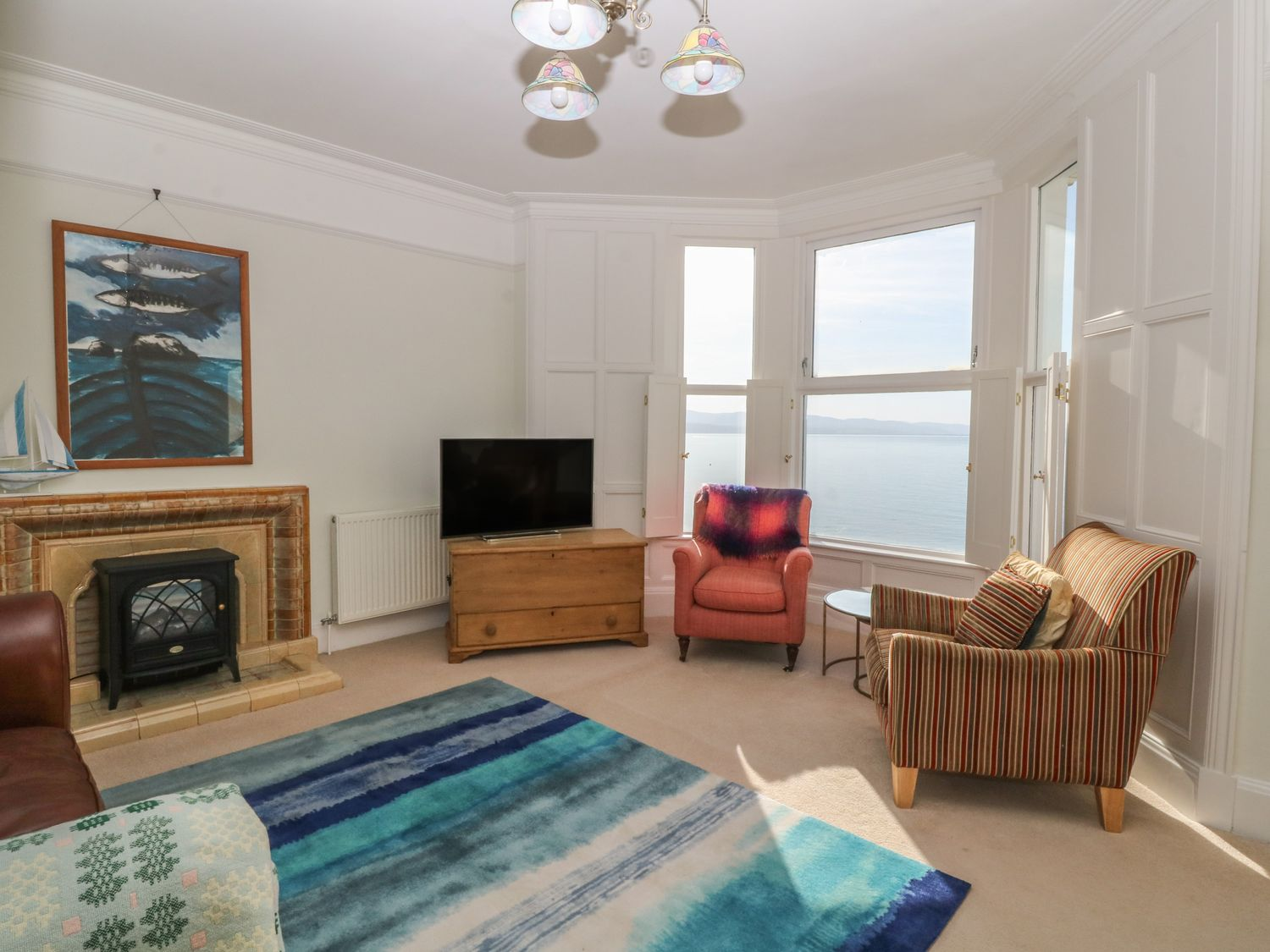 11 Marine Terrace in Criccieth - sleeps 4 people