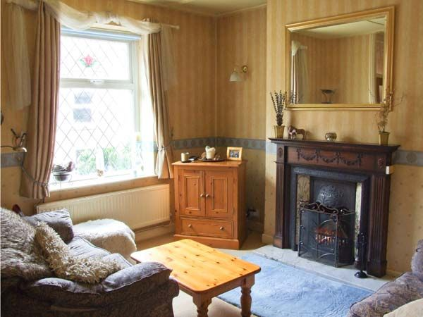 14 Yeardsley Lane in Furness Vale - sleeps 2 people