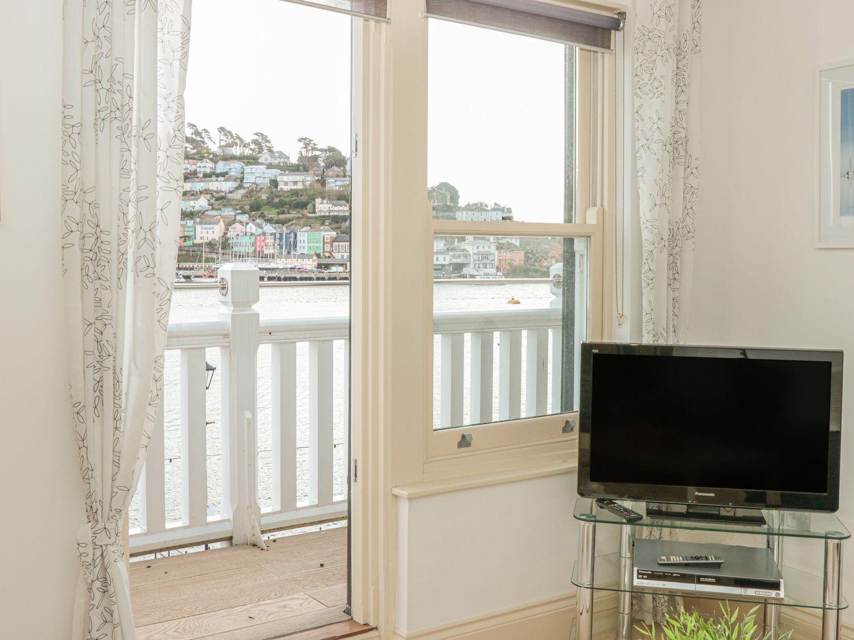 2 Embankment House in Dartmouth - sleeps 4 people