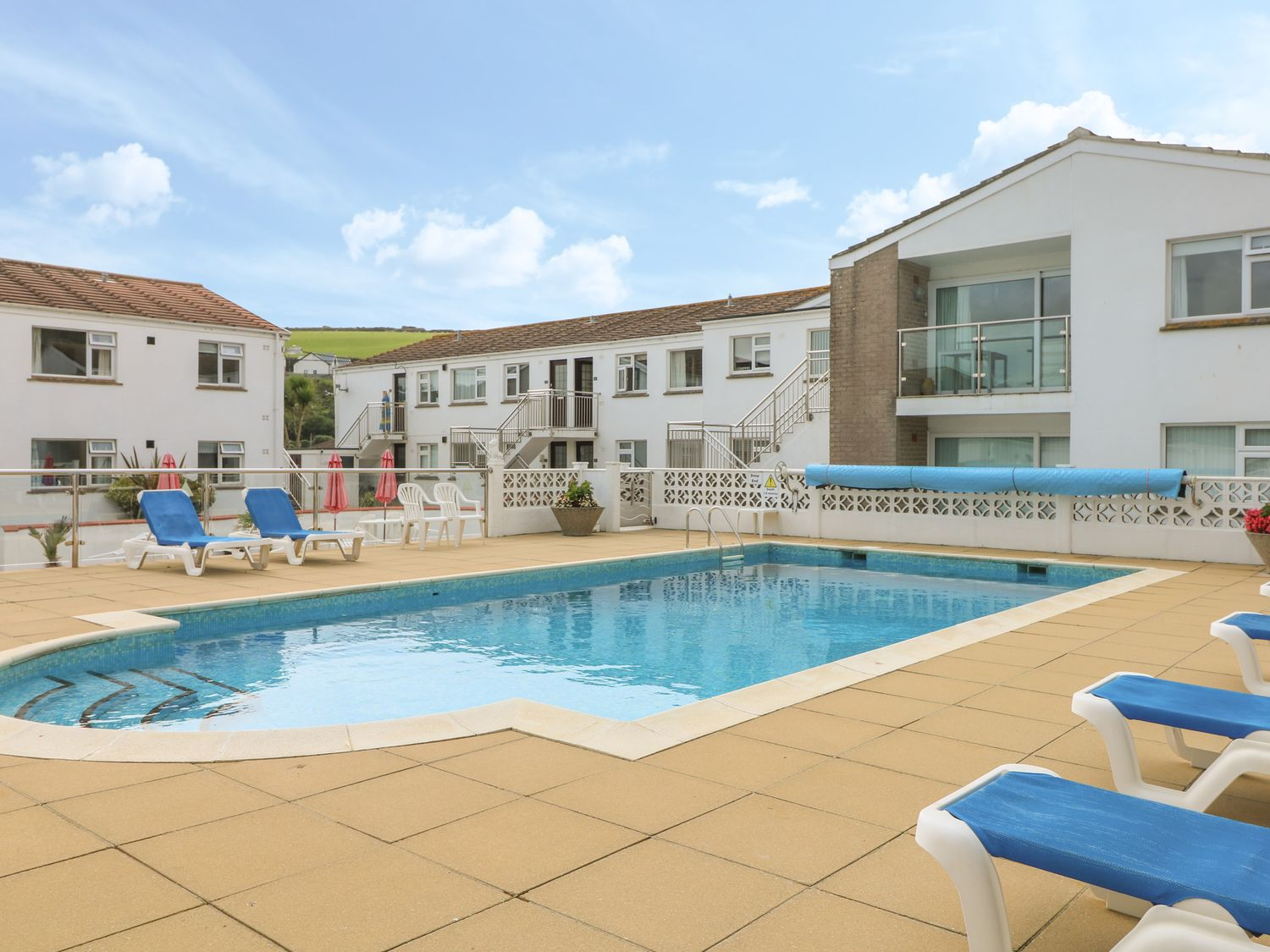 2 Europa Court in Mawgan Porth - sleeps 4 people
