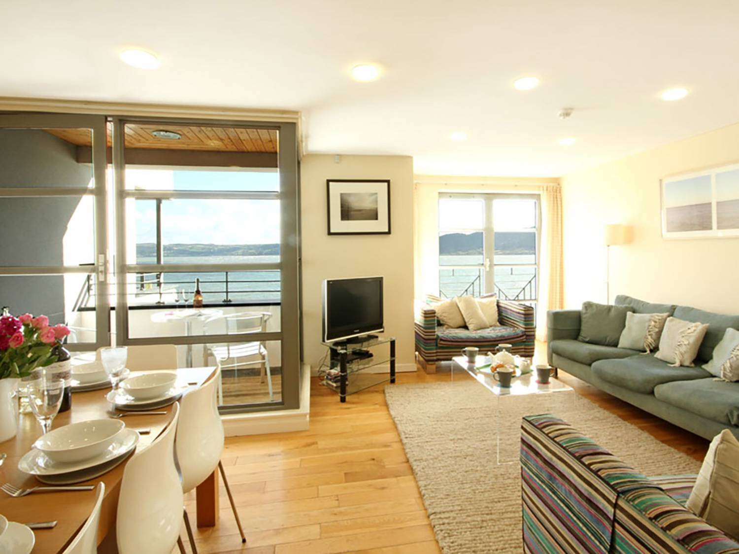 2 The Quay in Red Wharf Bay - sleeps 8 people