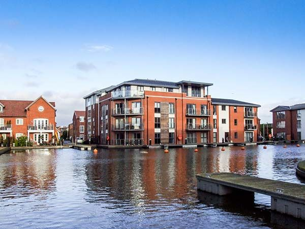 4 River View in Stourport-on-Severn - sleeps 4 people
