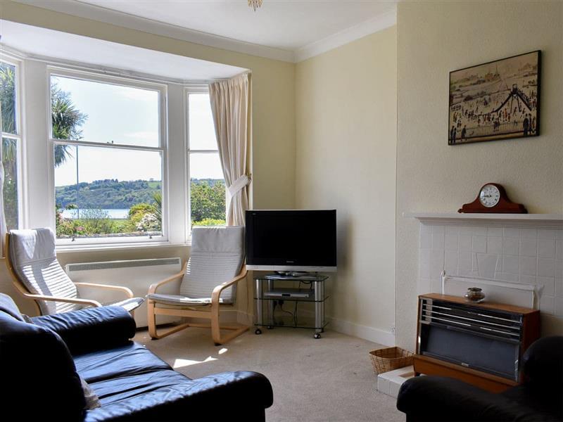 6 Hamilton Terrace in Lamlash, Isle of Arran - sleeps 4 people