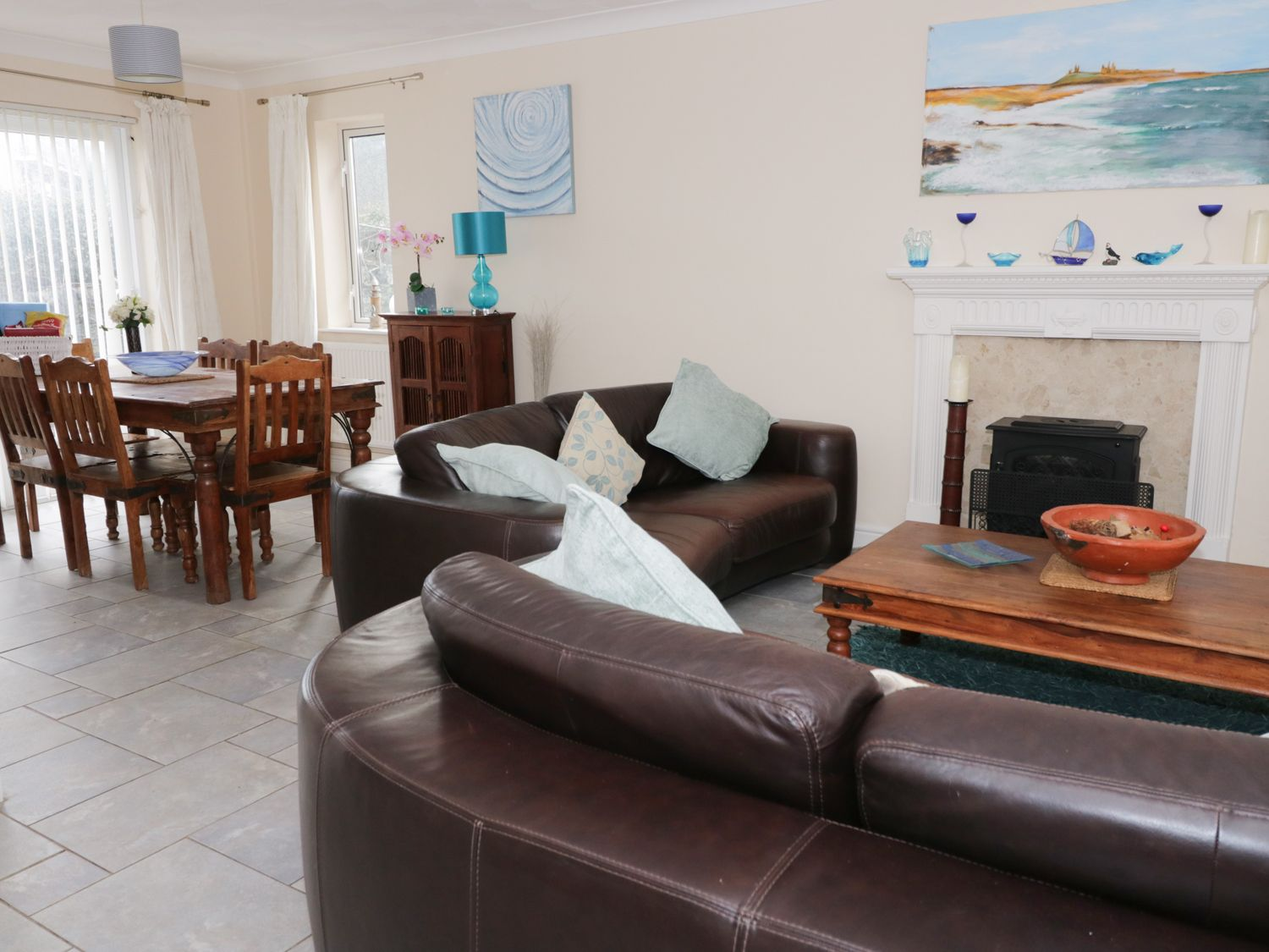 6 Mariners Court in Trearddur Bay - sleeps 6 people
