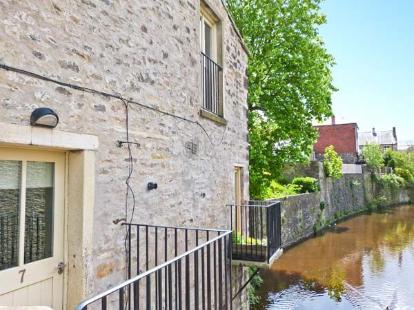 7 Mill Bridge in Skipton - sleeps 2 people