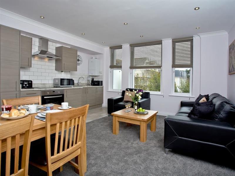 8 Austen's Apartments in Torquay - sleeps 4 people