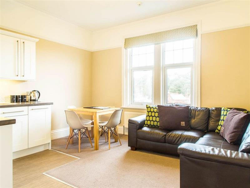 Alum Chine - Apartment 4 in Westbourne, near Bournemouth - sleeps 4 people