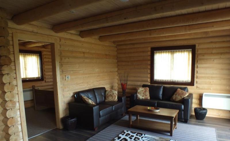 Amur Tiger Lodge In Smarden Sleeps 2 People