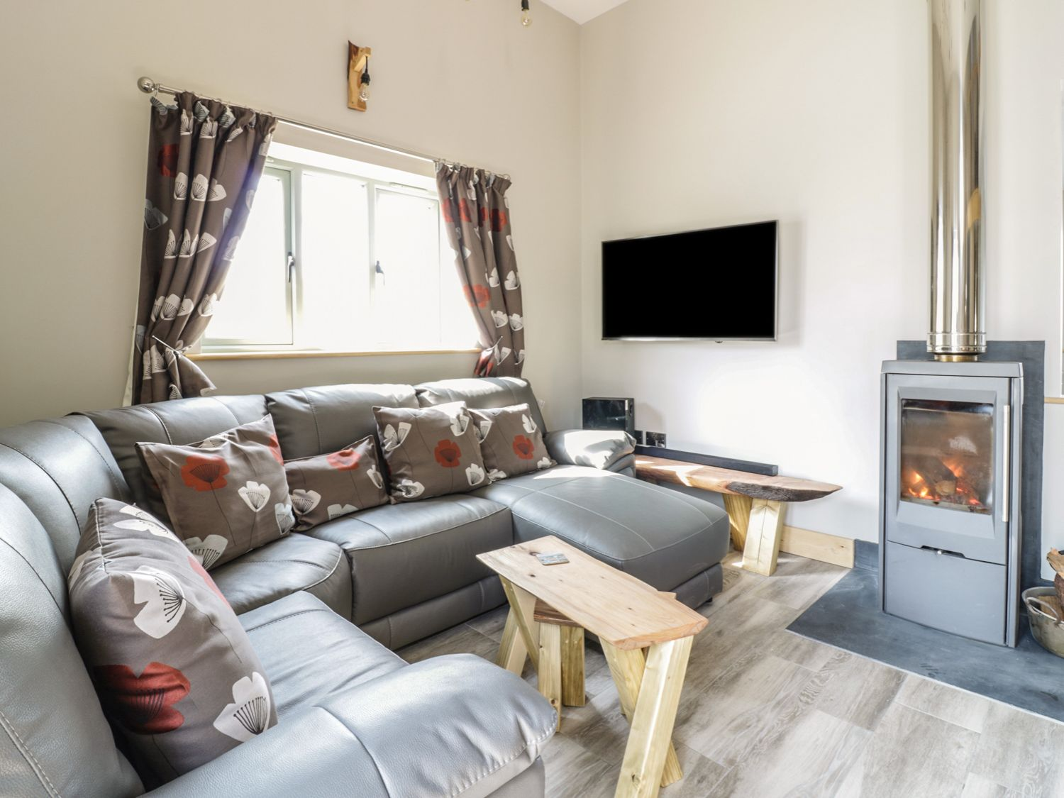 An Bowji in Newquay - sleeps 7 people