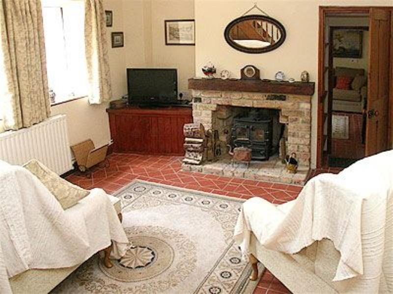 Anchor Cottage in Wells-next-the-Sea - sleeps 4 people