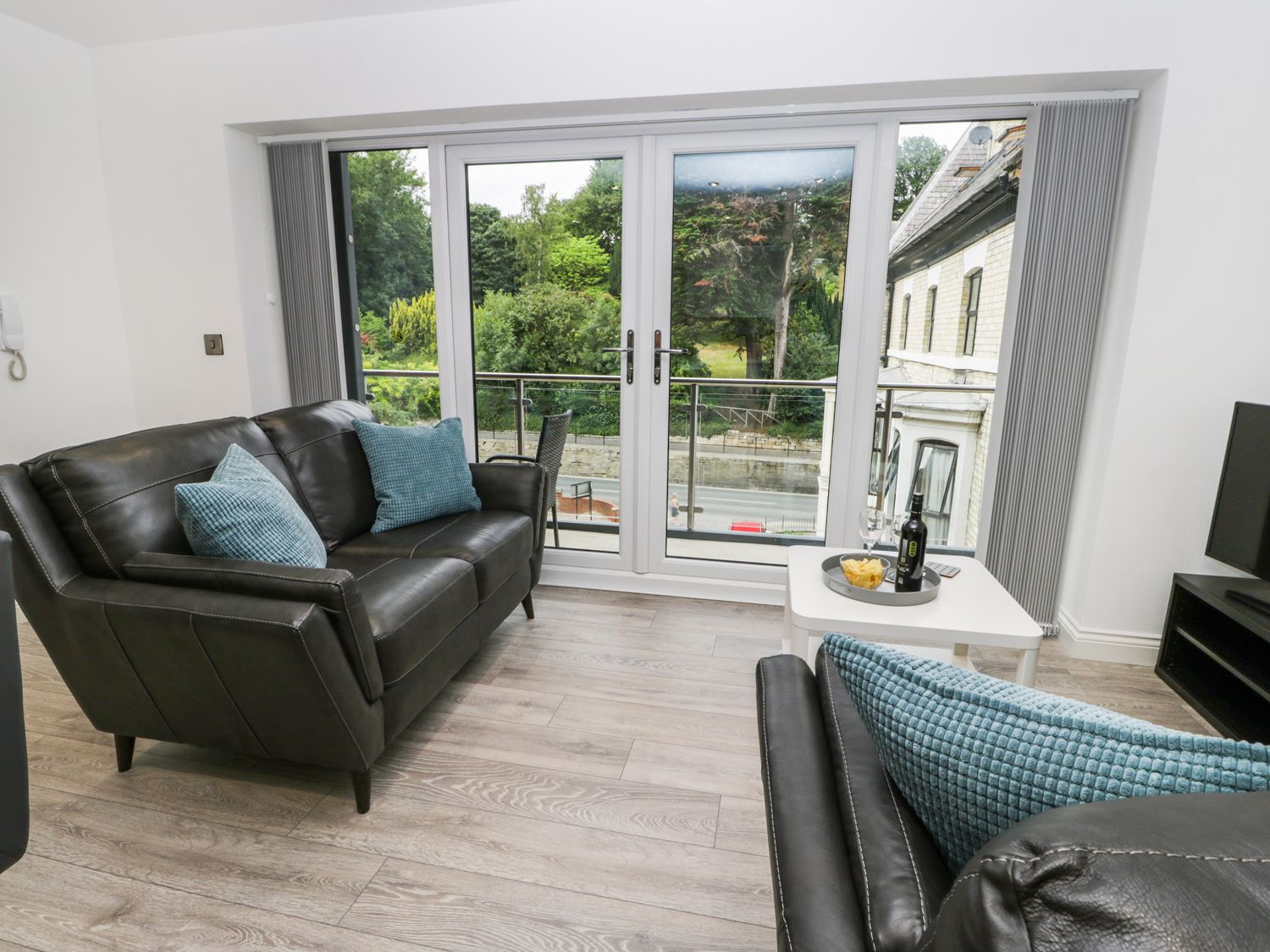 Apartment 2 in Whitby - sleeps 4 people