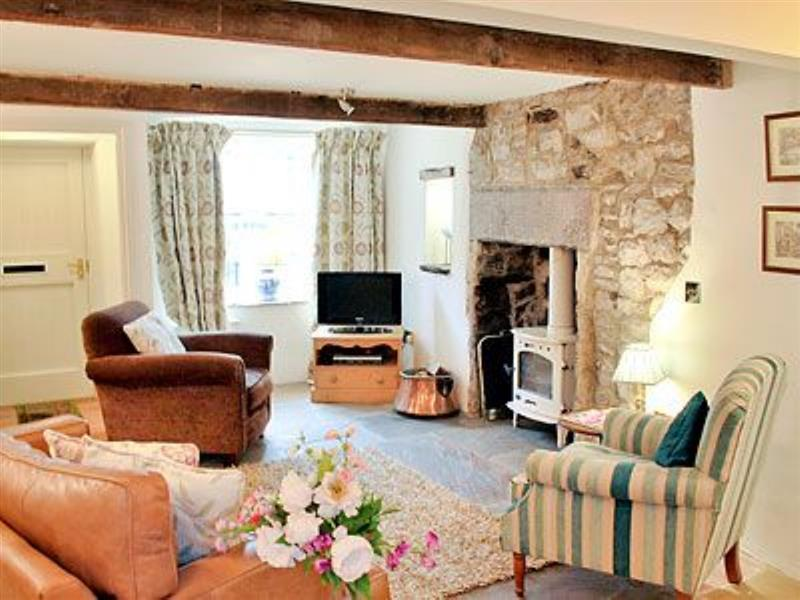 Ash Cottage in Tideswell - sleeps 4 people