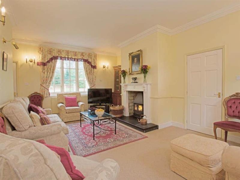 Ashwood Manor in Pentney, Norfolk. - sleeps 10 people