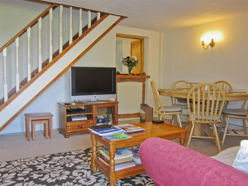 Atlantic Cottage in Tregatta, nr. Tintagel - sleeps 5 people