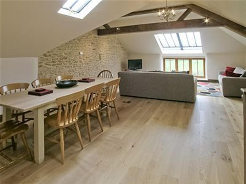 Bailey Ridge Farm Cottages - Wriggle View in Leigh, nr. Sherborne, Dorest. - sleeps 8 people