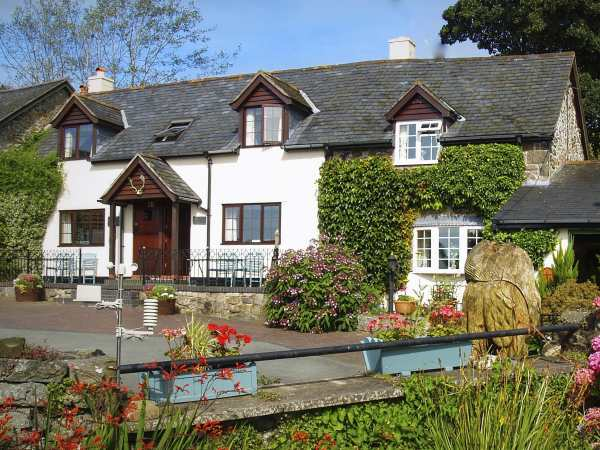 Barley in Llanfihangel near Llanfyllin - sleeps 2 people