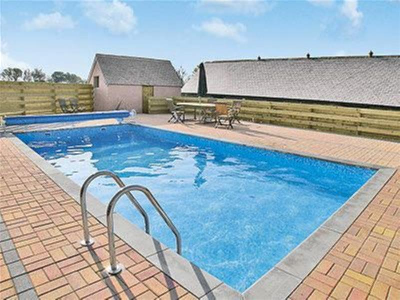 Crantock Cottage in Goonhavern, nr. Newquay - sleeps 6 people