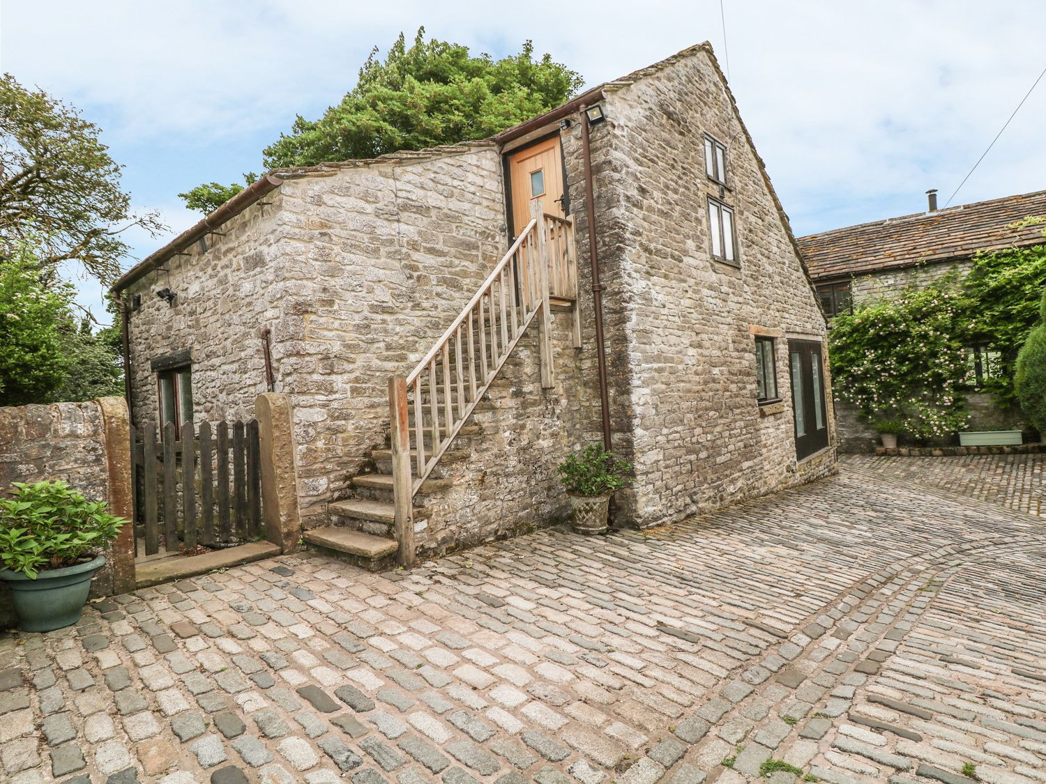 Barn Cottage in Peak Forest - sleeps 4 people