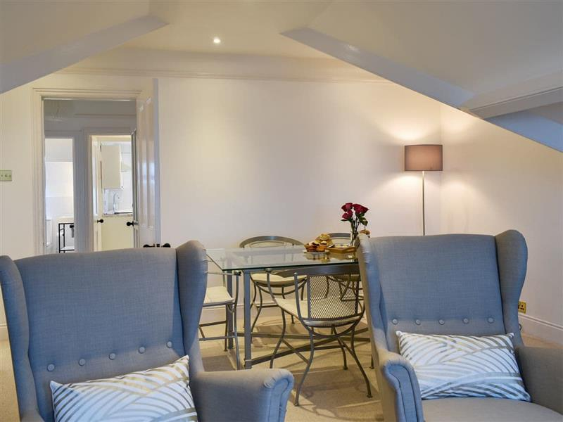 Bay View Apartment 4 in Falmouth - sleeps 4 people