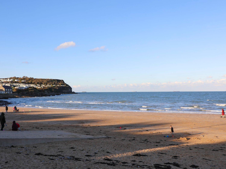 Beach Lookout in Benllech - sleeps 4 people