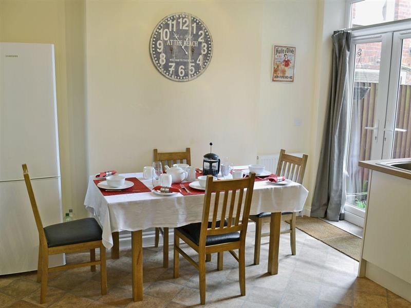 Beachcomber in Cromer - sleeps 5 people