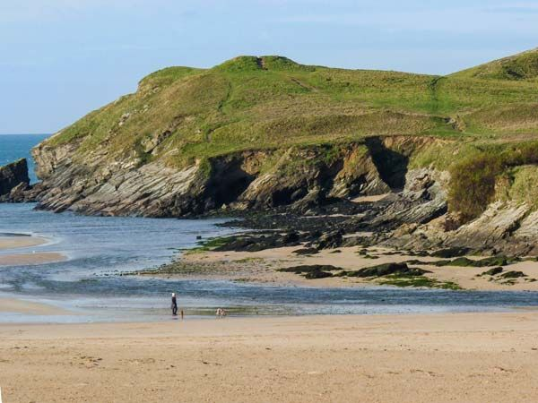 Beachcombers in Porth - sleeps 5 people