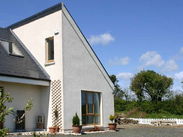 Beachside Hideaway in Donaghmore - sleeps 2 people