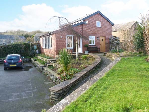 Beck Cottage in Pennington - sleeps 2 people