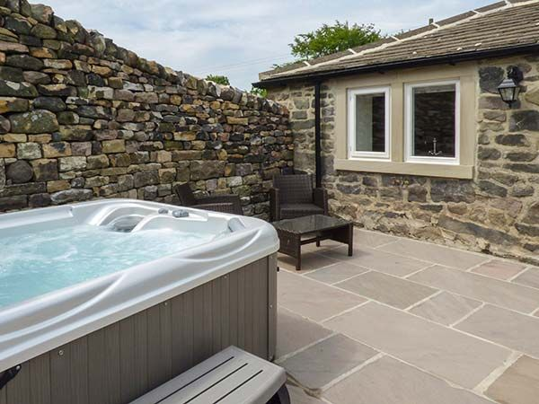 Beckside Cottage in Cowling - sleeps 2 people