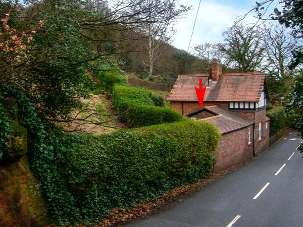 Beechlands Cottage in Frodsham - sleeps 2 people