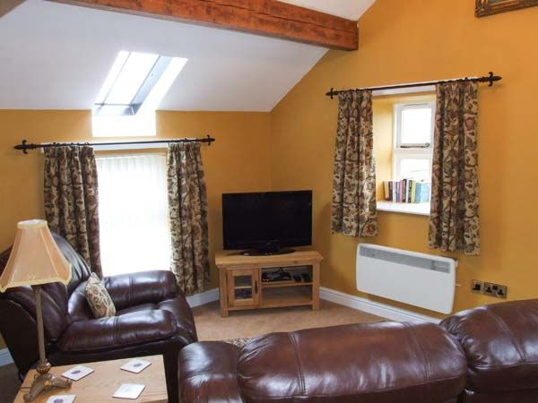 Berwyn Cottage in Pen-y-Bont - sleeps 2 people