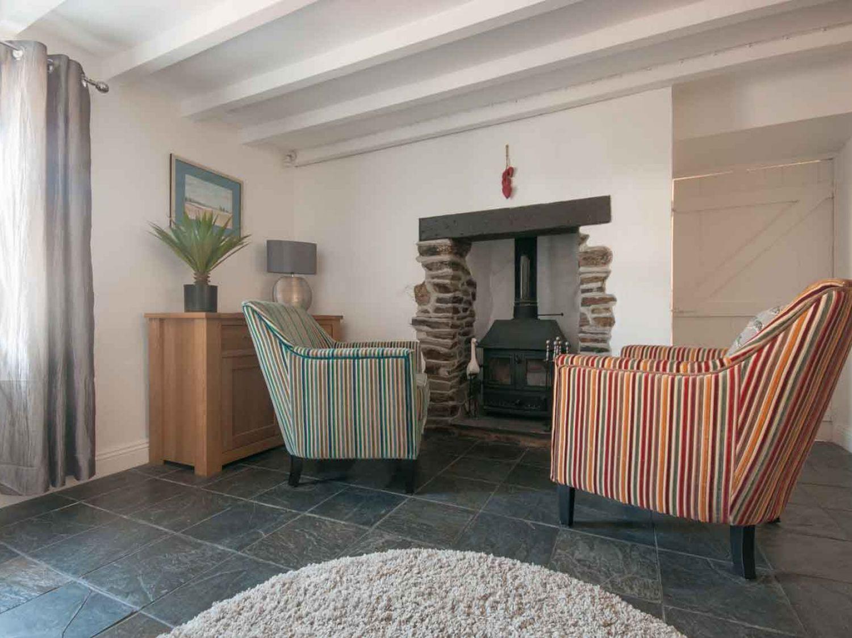 Blacksmiths Cottage in Crantock - sleeps 6 people
