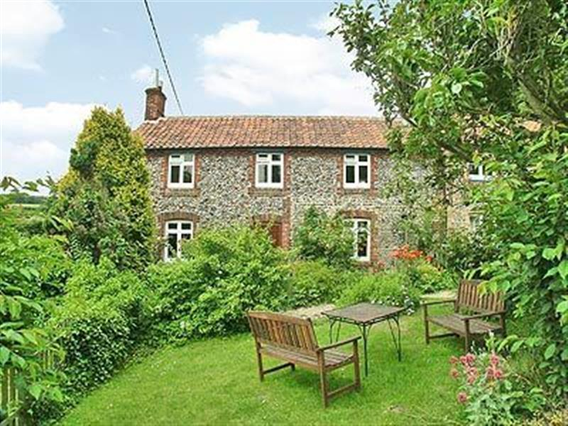 Blacksmiths Cottage in Stiffkey, Norfolk. - sleeps 6 people