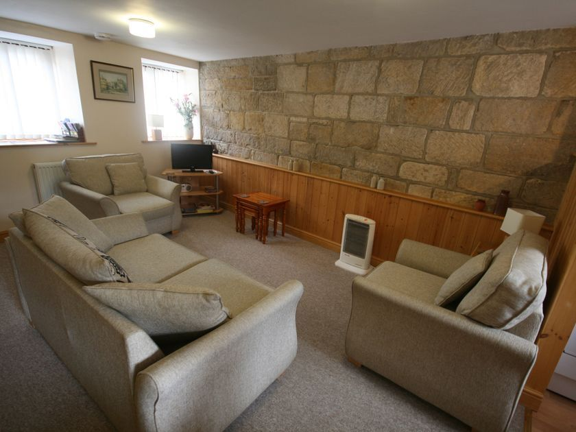 Blacksmiths Cottage in Whitby - sleeps 4 people