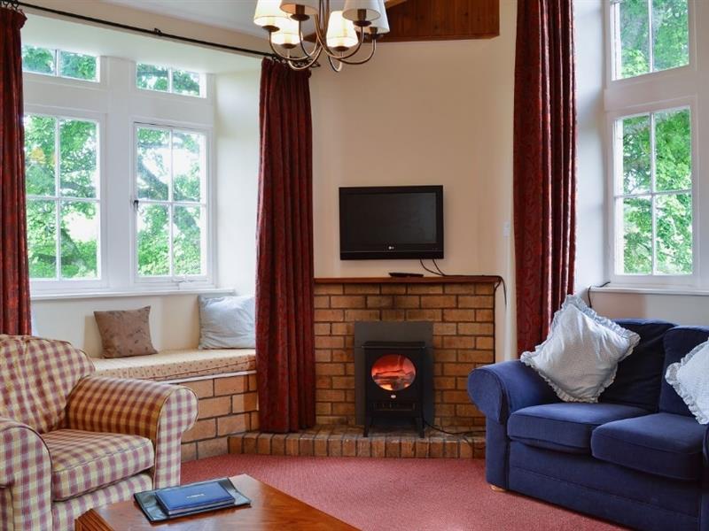 Blairquhan Castle Estate - Kennedy Cottage in Straiton, nr. Maybole - sleeps 6 people