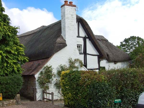 Bluebell Cottage in Shottery - sleeps 2 people