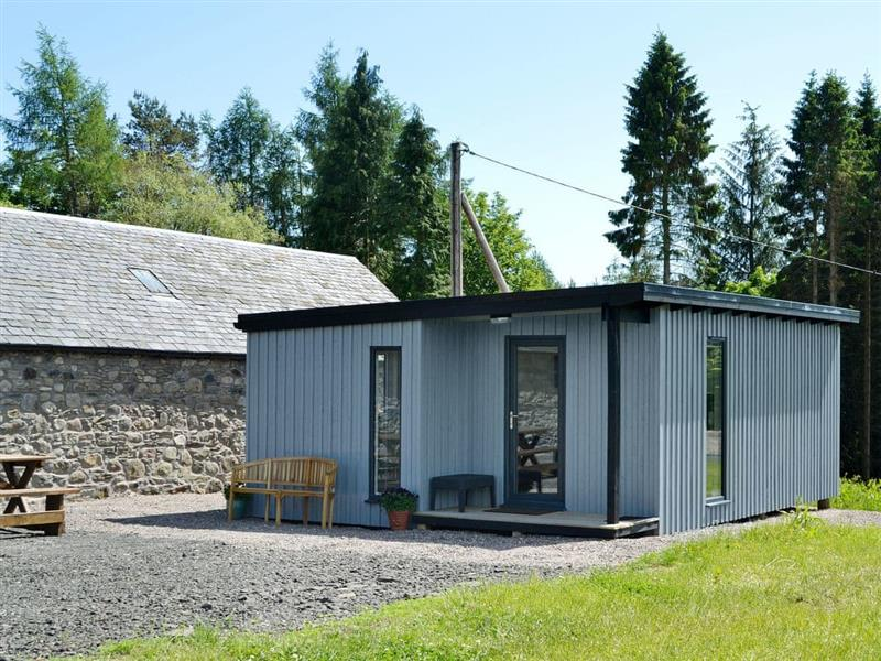 Boreland Farm Cottages - The Wee Cabin in Kirkmichael, near Blairgowrie - sleeps 2 people