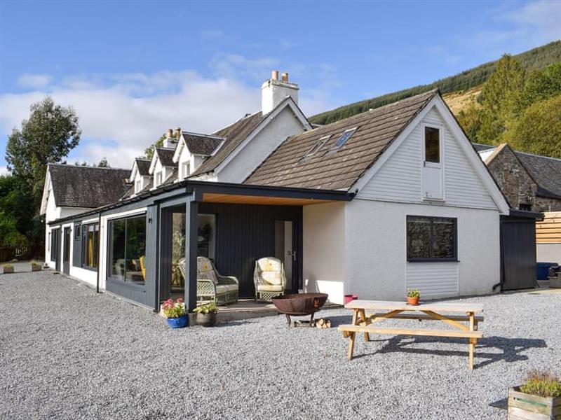 Boreland Loch Tay - The Farmhouse in Fearnan, near Aberfeldy - sleeps 20 people