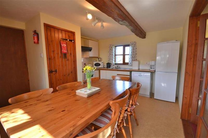 Bowood Farm, Horseshoe Barn in Bideford - sleeps 8 people