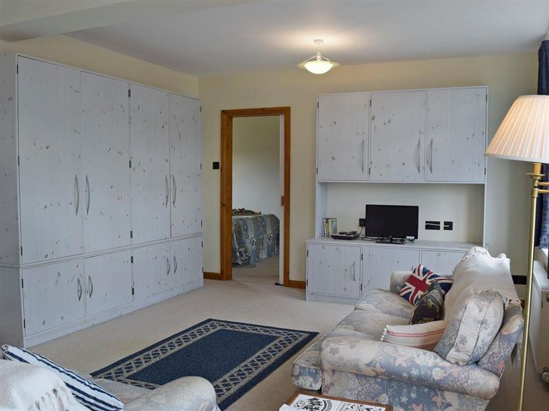 Bracelet Cottage in Mumbles, near Swansea, Glamorgan - sleeps 2 people