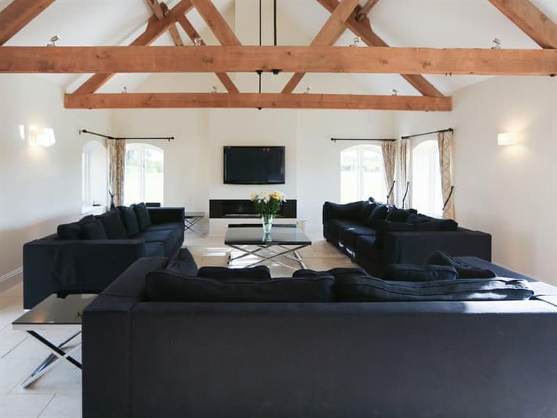 Brazenhall Barns - Brazenhall Lodge in Dunton, near Fakenham - sleeps 8 people