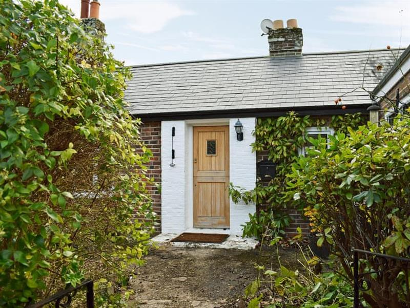 Briar Cottage in Prinsted, near Emsworth - sleeps 4 people
