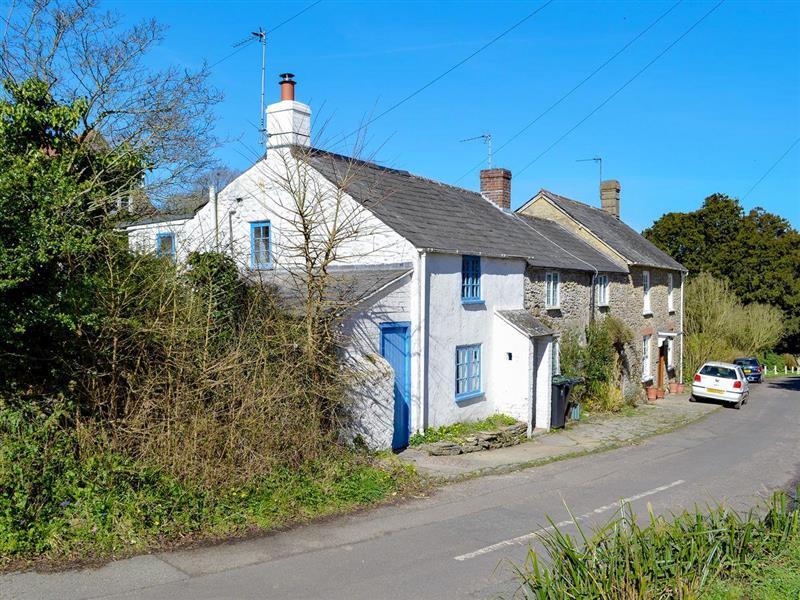 Bride Valley Cottage in Puncknowle, near Bridport, Dorset - sleeps 2 people