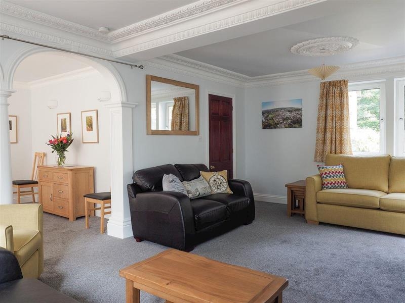 Bridgedown House in Richmond - sleeps 8 people