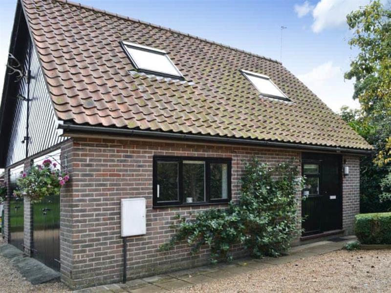 Broad Cottage Boathouse in Ranworth, near Wroxham - sleeps 2 people