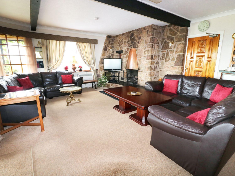 Bron-Y-Bryn Lodge in Gwaenysgor near Prestatyn - sleeps 12 people