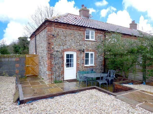Broom Cottage in East Rudham - sleeps 4 people
