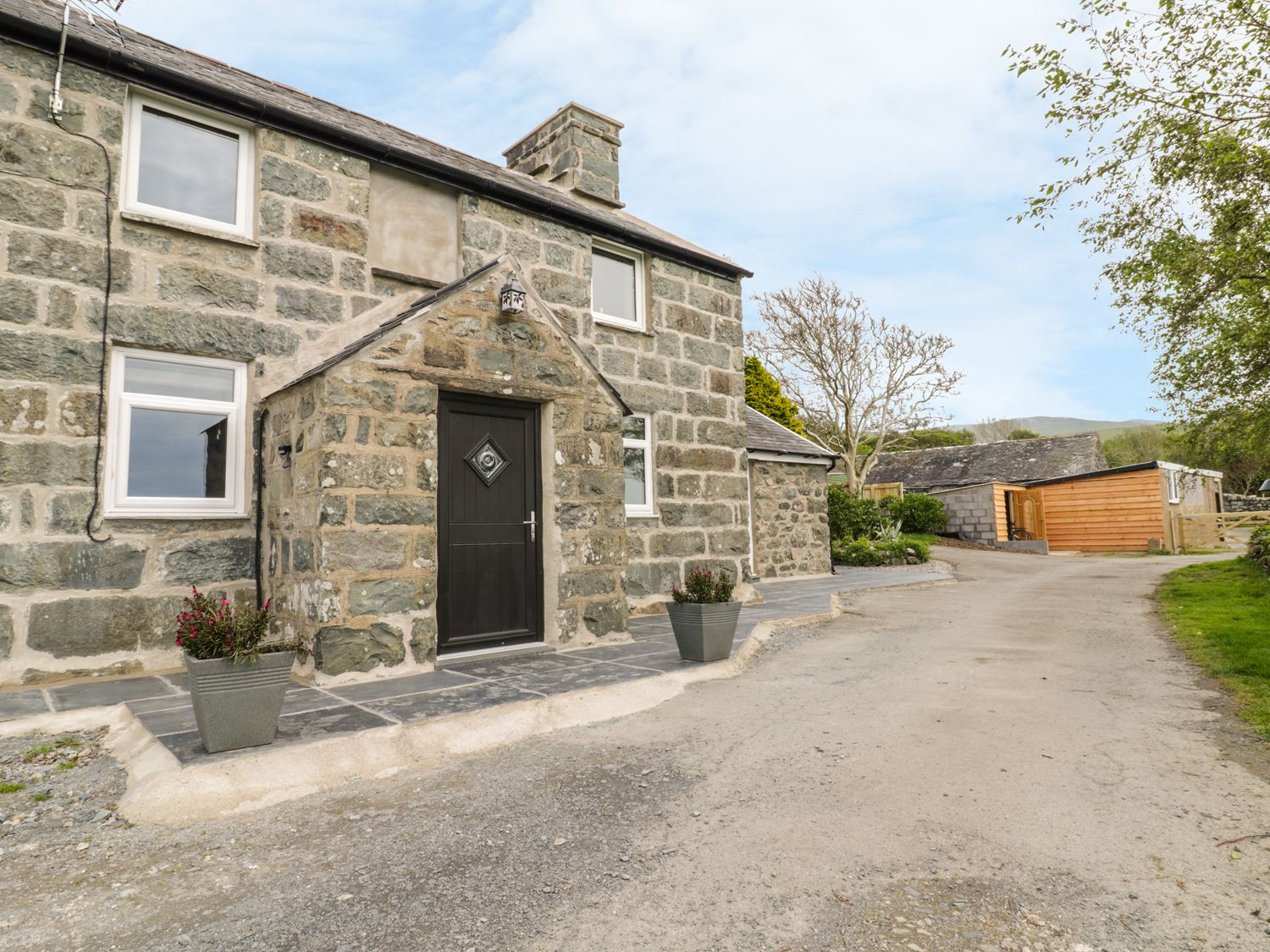 Bryn Y Bwyd in Tal-Y-Bont - sleeps 6 people