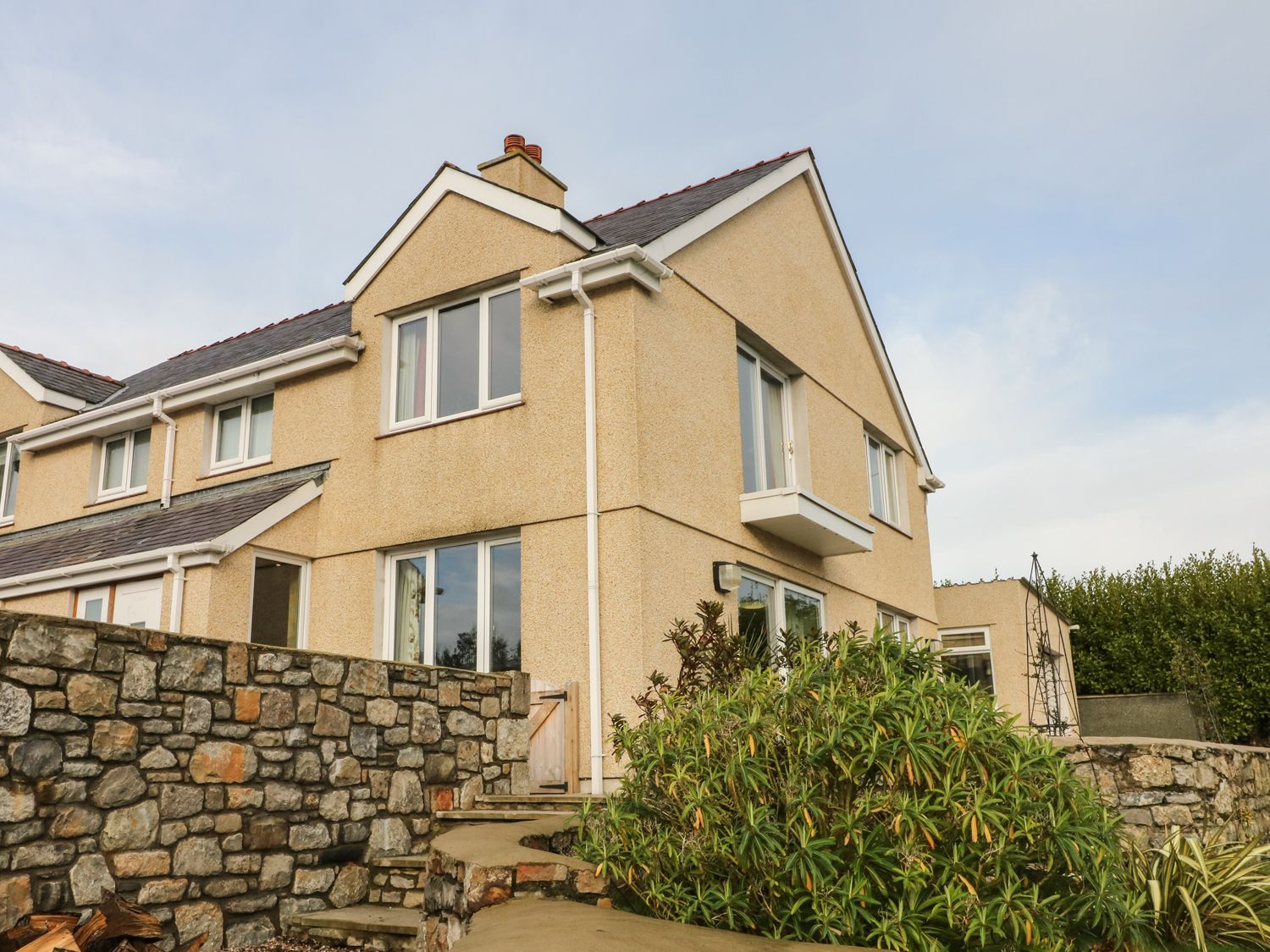 Bryn y Don in Benllech - sleeps 12 people